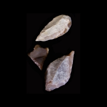 a-collection-of-ten-(10)-chert-stone-arrow-heads.-vakhsh-culture_x6699b