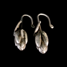 buddhist-silver-earrings-in-form-of-lotus-leaves-and-unopened-flowers_x7492c