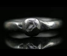 Roman silver ring the bezel engraved with a bird of prey