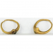 A fine pair of Parthian gold earrings.